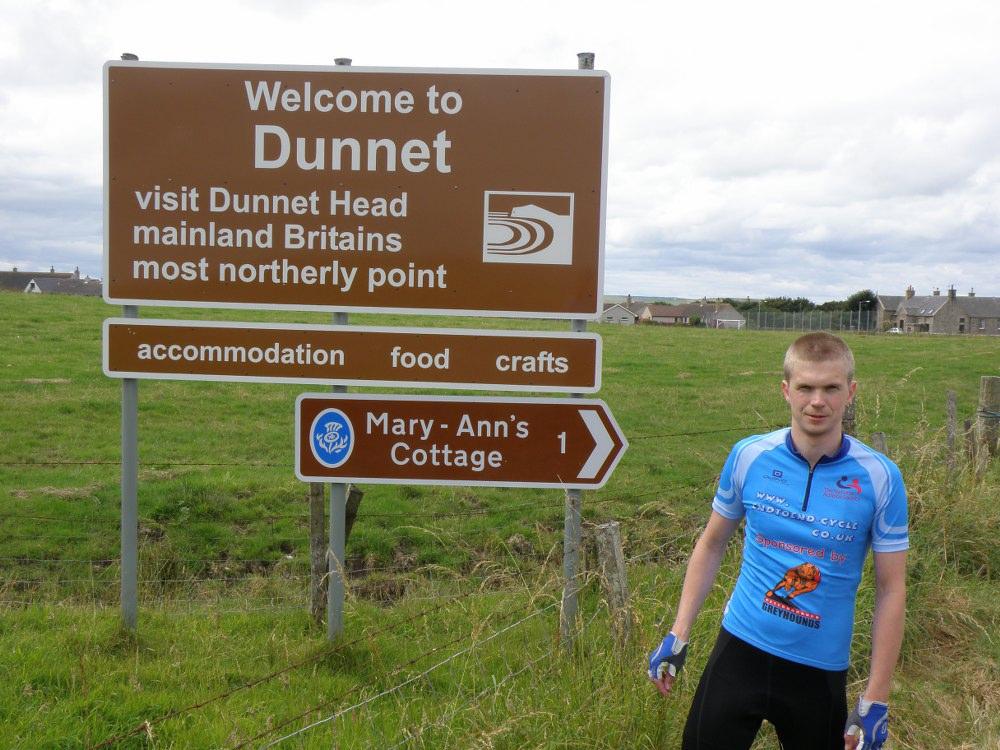 Dunnet sign post